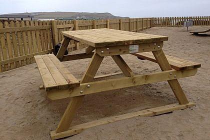 Essex Picnic Bench