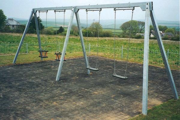 Metal Quadruple Swing
